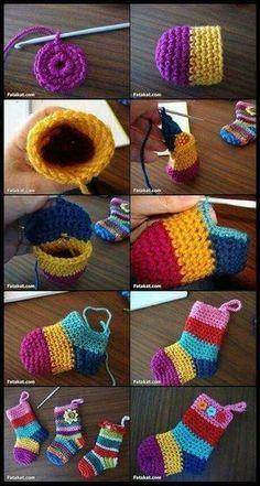 Crochet Christmas Socks Free Crochet Patterns - Video tutorial of rainbow Christmas stocking Crochet For Kids, Easy Crochet, Free Crochet, Knit Crochet, Crochet Hats, Crochet Slipper Pattern, Crochet Baby Booties, Crochet Slippers, Knitting Patterns