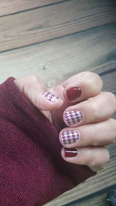 Hyde Park and London Calling...might be my new favorite.   Shop the #nailart buy 3 get 1 free event now!!  http://nailcolorstrips.com/product/hyde-park-color-street-nail-polish-strips/