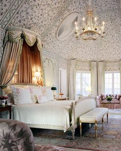 I Heart Shabby Chic: Decadent French Shabby Chic - Bumper Amazing Post for 2012- beautiful ceiling!