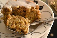 Zucchini cake http://www.antonanton.fi/fi/blog/mausteinen-kesakurpitsa-oliivioljykakku