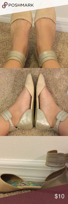 Madden girl ballerina flats Gently used Madden girl ballerina flats, dress them up with a stylish dress, or play it cool with your favorite pair of jeans! Madden Girl Shoes Flats & Loafers