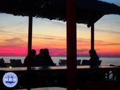rustige accomodatie Kreta zomer en winter Beautiful Beaches, Most Beautiful, Crete Greece, Mountain Range, Relax, Island, Places, Nature, Outdoor