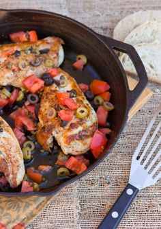Skillet Chicken with Olives and Tomatoes  #healthy #skillet #chicken