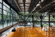 Image 35 of 52 from gallery of São Luís Sports & Arts Gymnasium / Urdi Arquitetura. Photograph by Nelson Kon Gymnasium Architecture, Architecture Design, Sports Art, Sports Basketball, Sport Football, Gymnastics Center, Construction Area, Sports Complex, Cultural Events