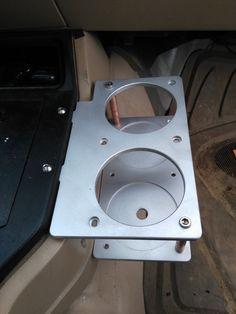 Jeep - My solution to the cup holder problem. Modificaciones Jeep Xj, Jeep Xj Mods, Jeep Truck, Jeep Grand Cherokee, Jeep Wrangler, Truck Mods, Jeep Camping, Truck Interior, Interior Design