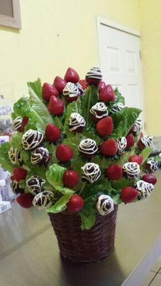 Arreglo frutal de fresa y chocolate