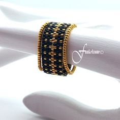 Peyotering, 12 mm wide, ring, ring with Miyuki Delicas gold plated / crown crown design black finger ring Black Fingers, Wide Rings, Beaded Rings, Ring Finger, Bead Weaving, Bead Crafts, Timeless Design, Etsy, Seed Beads