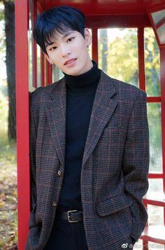 青春有你 (Qing Chun You Ni/Youth Has You), also known as Idol Producer 2 … Mc Jin, Jolin Tsai, Seventeen The8, Exo Members, Yixing, Season 2, A Good Man, Boy Groups, Two By Two