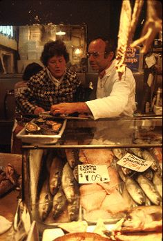 Julia Child visiting the fish mongers at the Pike Place Market in Seattle, WA (1978).