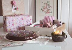 *RosaRot*- Birthday Table ( no recipe)