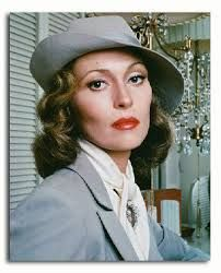 """Faye Dunaway in """"Chinatown."""" Directed by Roman Polanski - 1974 Cinema Video, Cinema Tv, Faye Dunaway Chinatown, Old Hollywood, Hollywood Stars, Divas, Beautiful People, Beautiful Women, Hello Beautiful"""