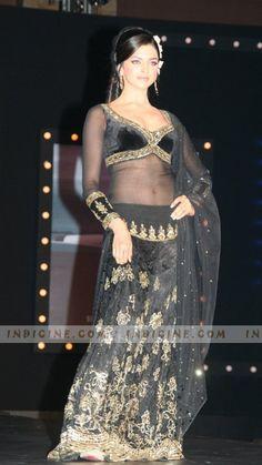 Deepika Padukone, bollywood retro look in om shanti om