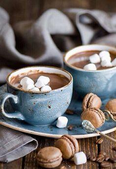 Hot Cocoa & Chocolate Macaroons http://viaggi.asiatica.com/