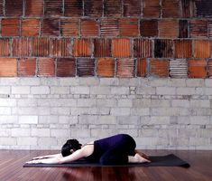 5 Morning Yoga Poses to Help You Start Your Day Off Right
