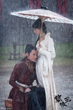 Prince of Lan Ling (兰陵王) 2013 #Cdrama, Ariel Lin as Yang Xue Wu and Feng Shao Feng as Lan Ling Wang. When a carreer fails, Love is there to pick you up.