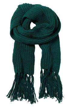 Just bought this knitted scarf in a nice deep green colour from Monki
