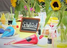 Decoration for the school enrollment party - Basteln mit kindern - Enschulung School Enrollment, Place Cards, Place Card Holders, Table Decorations, Party, Learning Letters, School Children, Invitation Cards, Fiesta Party