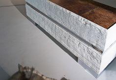 Madia Marchetti Maison collezione FOSSILE. Finitura esterna in #legno di #quercia Patina esterna maestrale latte.  #Top in #acciaio #naturale #arredamenti #interni #madie #credenze #living #giorno #qualità #design #finiture #handmade #legno #fossile