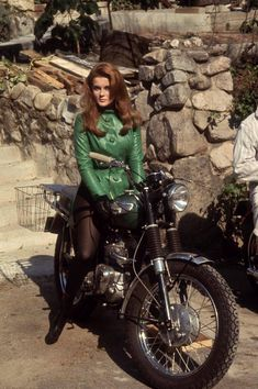 Ann Margret - The Swinger - Triumph Tiger
