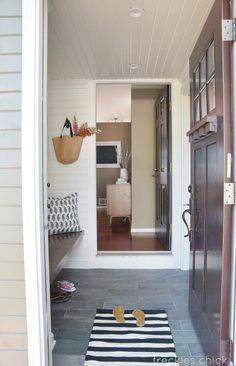 Dazzling Mudroom Makeover - Painted Furniture Ideas Here are some gorgeous mudroom makeovers that will give you GREAT ideas on what you can do with you Porch Interior, Interior Ideas, Interior Design, Vinyl Siding Installation, Enclosed Front Porches, Side Porch, Room Additions, Foyer Decorating, House Front