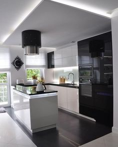 Browse photos of Small kitchen designs. Discover inspiration for your Small kitchen remodel or upgrade with ideas for organization, layout and decor. Kitchen Room Design, Kitchen Sets, Open Plan Kitchen, Modern Kitchen Design, Home Decor Kitchen, Kitchen Living, Interior Design Kitchen, New Kitchen, Smart Kitchen