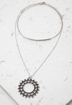 Cutout Medallion Necklace Set