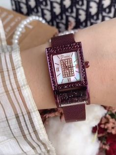 Fashion Joker Square Roller Diamond Women's Watch Cool Watches For Women, Watch Video, Make Time, Square Watch, Joker, Diamond, Stuff To Buy, Accessories, Style
