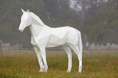 Poligonal sculptures of animals.
