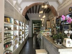 """""""La Raccolta"""" was the firs natural foods shop and café that I found in Florence and still I love. The bakery is probably my favorite part of this shop. Bulk Nuts, Flourless Chocolate Cakes, Oatmeal Raisin Cookies, Natural Foods, Firs, Sourdough Bread, Vegan Cheese, My Favorite Part, Lunches And Dinners"""