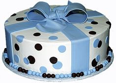 A cake for baby boy shower