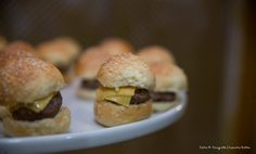 Mini cheesburguinho. #CaptainsBuffet #Wedding #Buffet #Buzios #food