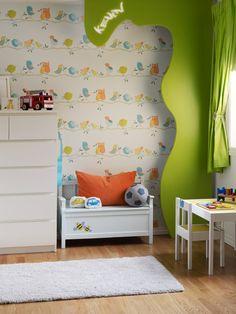 La barna få bruke fantasien når dere skal innrede rommet. Tør å la dem eksperimentere med farger, det verste som kan skje er at dere må male eller tapetsere om igjen om noen år! Å få sitt eget rom er kjempestort. Men å få lov til å være med å innrede det, er enda større! Vi viser deg et lite knippe tapeter til barnerom, for liten og stor. #Barnerom#Fugletapet#Kreative#barnerom#Grønn#detaljer#Fargerike#green#birds#wallpaper#inspiration#innredning#ideer Dere, Scandinavian Design, Toddler Bed, Ikea, Furniture, Home Decor, Fantasy, Pastel, Creative
