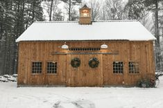 Our 22'x 36' post & beam 1-1/2 story barn. www.countrycarpenters.com Small Barns, Old Barns, Small Barn Plans, Small Barn Home, Barn House Plans, Shed Plans, Plan Garage, Garage Shed, Living Pool