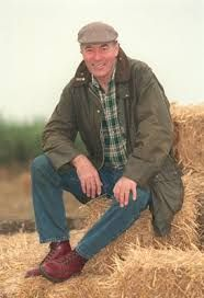 Born: October 20th 1944  - Died: July 3rd 2008   ~ Clive Hornby was an English actor, known for his part in ITV's Emmerdale as farmer Jack Sugden.          Spouse: Helen Weir (m. 1984–2000)