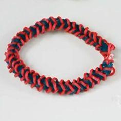 14039 Rainbow Loom armband i mönster av en ryggrad