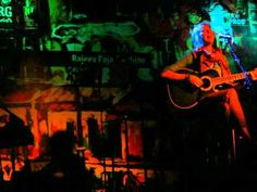 Tanya Wells sings Mun Kunto Maula at Bluefrog, Mumbai