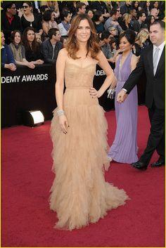 Kristin Wiig in J Mendel at the Oscars 2012, She is the coolessttt!!