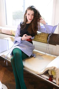 Wish to wear green on St. Patrick's Day 2020 for some good luck and good looks? Check this fashionable St. Patrick's Day outfit in neon and this in plaid Green Tights, Colored Tights, Date Outfits, Cool Outfits, Casual Outfits, Suits Tv Shows, St Patrick's Day Outfit, Party Fashion, Cozy Fashion