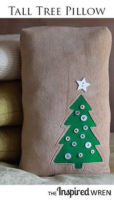Great Christmas pillow/cushion tutorial including tree template -- love the buttons as ornaments! | The Inspired Wren