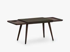 WOUD møbler har kun eksisteret siden Maj 2014 men har siden da gennemgået en bemærkelsesværdig udvikling. Danskerne forelskede sig h