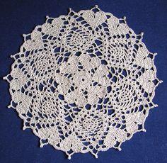 Free Crochet Pattern: Hearts Doily