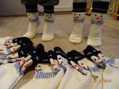 Knitting Socks, Knit Socks, Mittens, Knit Crochet, Lime, Slippers, Cool Stuff, Barn, Pattern