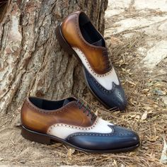 Full Brogues (Wingtips) from Robert August Shoes Custom Made Shoes, Custom Design Shoes, Men's Shoes, Shoe Boots, Dress Shoes, Gentleman, Mens Fashion Shoes, Fashion Edgy, Fashion Photo