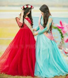 Here are 30 great outfit ideas to wear on bridal shower for a Pakistani bride to be. Shower Outfits, Shower Dresses, Pakistani Wedding Outfits, Pakistani Dresses, Bride Sister, Sister Wedding, Outfit Trends, Beautiful Girl Photo, Mom Outfits