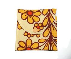 Flower retro small wet pouch, wet bag for cloth pads, padwrapper