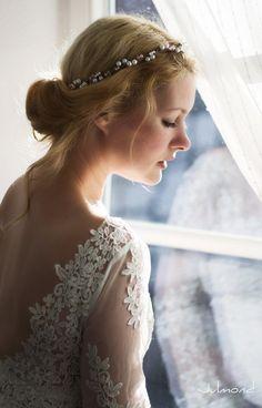 Haarschmuck & Kopfputz - Haarkranz Blumen Perlen Braut - ein Designerstück von julmonda bei DaWanda
