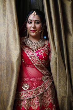 #sabyasachi #sabyasachibride #bridalportrait Sabyasachi Bride, Punjabi Bride, Bridal Portraits, Lehenga