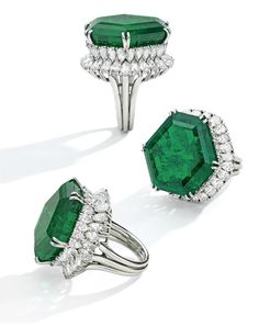 Lot 108. The Magnificent and Legendary Stotesbury Emerald, in a ring by Harry Winston, weighing approximately 34.40 carats. Estimate $800,000–1,200,000. Photo: Sotheby's.