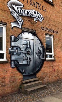 Puertas con arte urbano