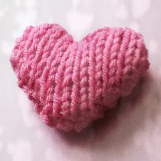 Free knitting pattern for Valentine's day: Simple Knit Heart